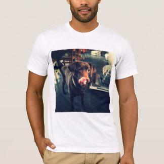 T-shirt avec la copie de Labrador de brun