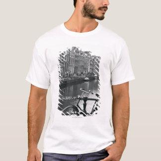 T-shirt Bicyclette par le canal