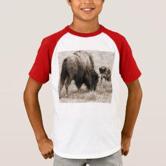 T-shirt Bison agressif de chasse de loup