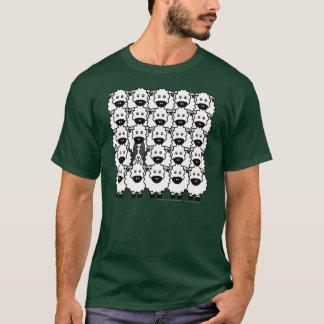 T-shirt Border collie chez les moutons