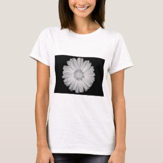 T-shirt calendula-flower--black-and-white-laura-melis.jpg