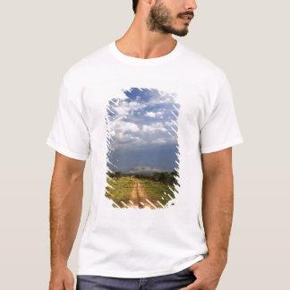 T-shirt Chemin de terre primitif à travers le du nord