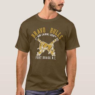 T-shirt Chemise brune de pinte de taureaux de bravo