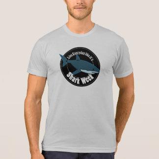 T-shirt Chemise de semaine de requin