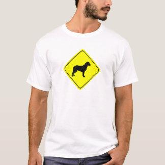 T-shirt Chiens d'amour de panneau d'avertissement de
