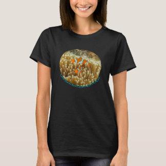 T-shirt Clownfish mignon sur la Grande barrière de corail