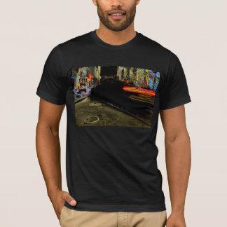 T-shirt Conduite par l'allée de graffiti