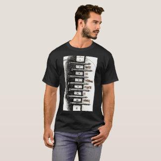 T-shirt Continuez à conduire des clous en ciment