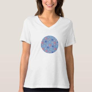 T-shirt convenable de V-Cou détendu par lanternes