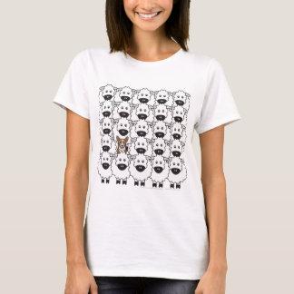 T-shirt Corgi chez les moutons