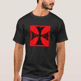 T-shirt croix rouge et noire d'érosion
