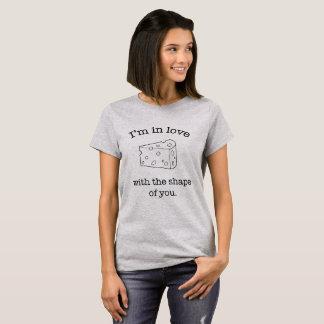 T-shirt Dans l'amour avec la forme de vous - fromage