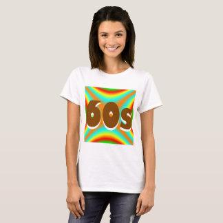 T-shirt d'arrière - plan coloré par 60s du ` de