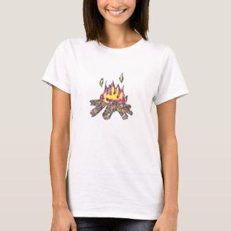 T-shirt de BabyDoll de feu de camp