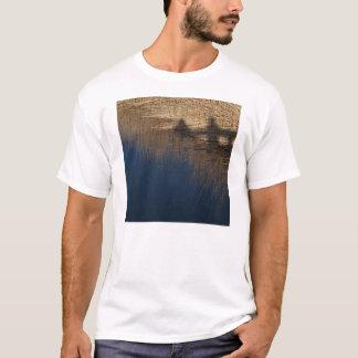 T-shirt de base avec la photo des ombres et de