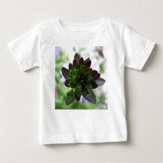 """T-shirt de bébé de poussins de la poule """"n"""""""