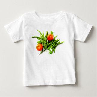 T-shirt de bébé d'oranges et d'haricots verts