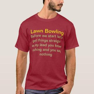 T-shirt de bowling de pelouse.