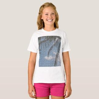 T-shirt de filles de palmier de nuage de coeur