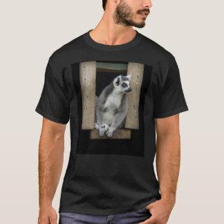 T-shirt de lémur coupé la queue par anneau