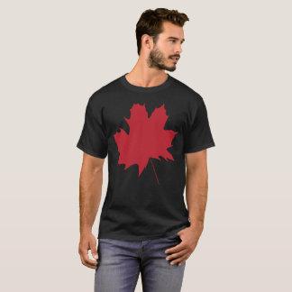 T-shirt de nature d'érable rouge