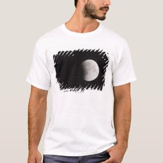 T-shirt Début d'une éclipse totale de la lune