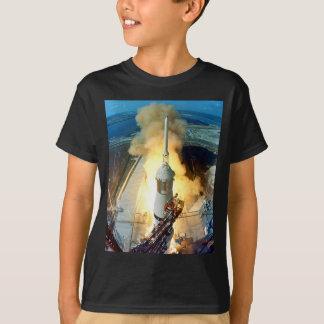 T-shirt Décollage du véhicule spatial d'Apollo 11 Saturn V