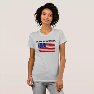 T-shirt Drapeau de la pièce en t des femmes de charité