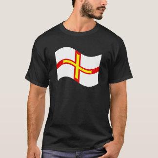 T-shirt Drapeau de ondulation de Guernesey