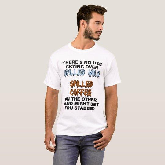 T-shirt drôle renversé de lait