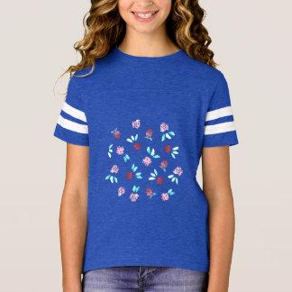 T-shirt du football de filles de fleurs de trèfle