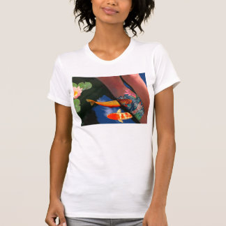 T-shirt Étang de lis de tatouage de Koi