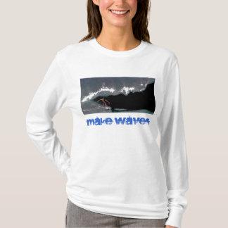 T-shirt Faites à des dames de canalisation de vagues le