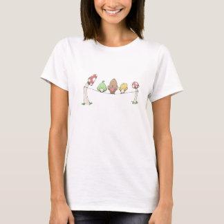 T-shirt Ficelle heureuse de champignon d'oiseaux