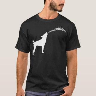 T-shirt foncé de chien d'hurlement Subaru