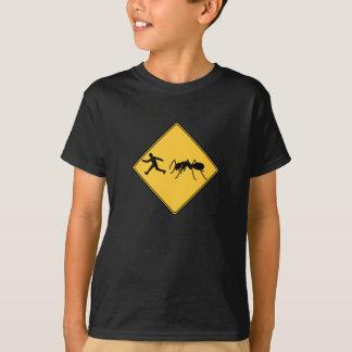 T-shirt Fourmi de géant de signe de route