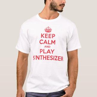 T-shirt Gardez la chemise calme de synthétiseur de jeu