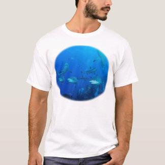 T-shirt gris de requin de récif