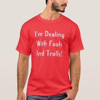 T-shirt J'ai affaire avec des imbéciles et pêche le