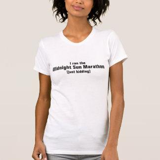 T-shirt J'ai couru le marathon de Sun de minuit, badinant