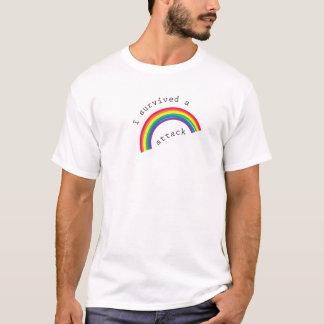 T-shirt J'ai survécu à une chemise d'attaque d'arc-en-ciel
