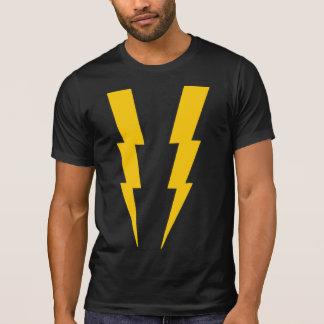 T-shirt Jaune sur la pièce en t noire de super héros de