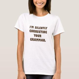 T-shirt Je suis silencieusement….