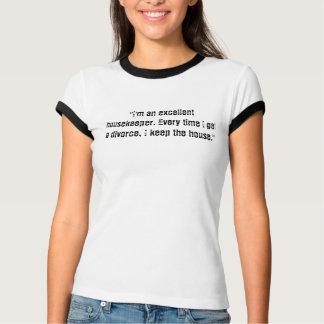 """T-shirt """"Je suis une excellente femme de charge. Chaque"""