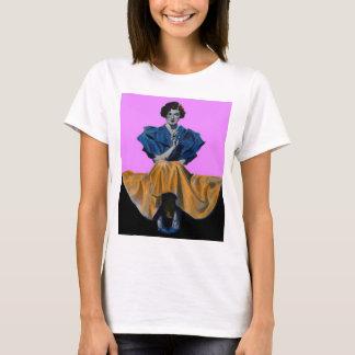 T-shirt jolie dame 1934 appréciant Chesterfield