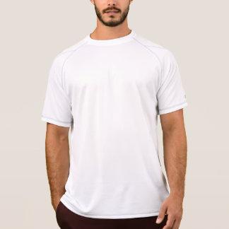T-shirt Juste passé par la grosse chemise de type