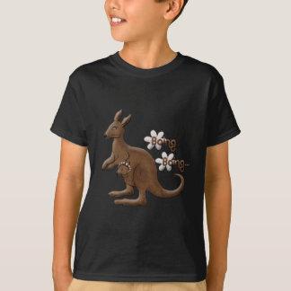 T-shirt Kangourou et kangourou de bébé dans le tee - shirt