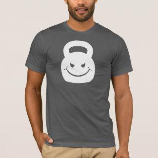 T-shirt kettlebell souriant d'un air affecté de mal