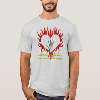 T-SHIRT KING OF HEARTS FIST