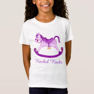 T-Shirt Le cheval de basculage mignon a peint la pièce en